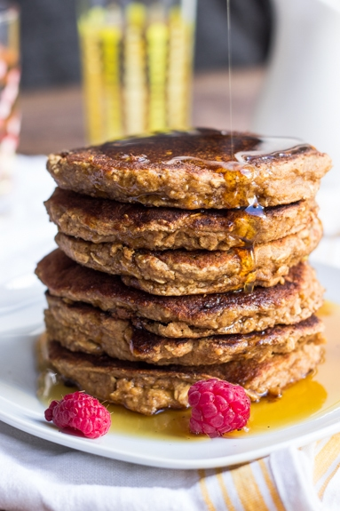Healthy Applesauce & Oatmeal Pancakes